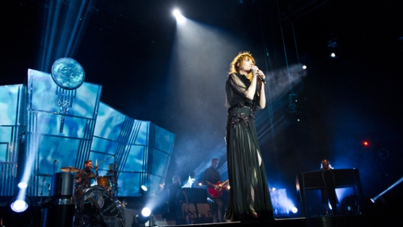 music-florence-and-the-machine-02-arena-concert-3